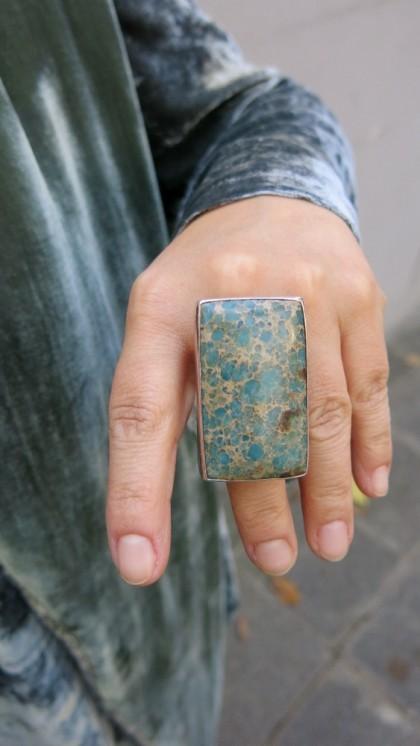 Varasit gefasst in Silber