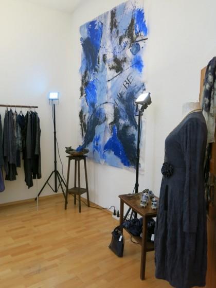 "Blaue Akzente  "" Kleid Lotta "" Papierbild"