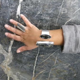 Armreif aus Pyrith und Obsidian