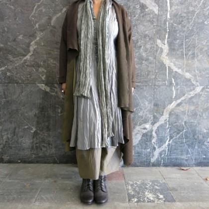 """Mantel """"KARINA"""" Wollwalk paart sich mit Leder in einem assymetrischen Schnitt"""